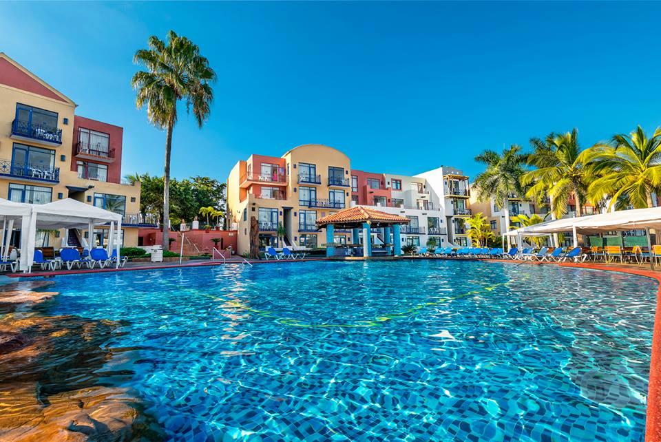 El Cid Marina Beach Hotel & Club de Yates